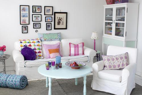 vardagsrum pasteller vit soffa