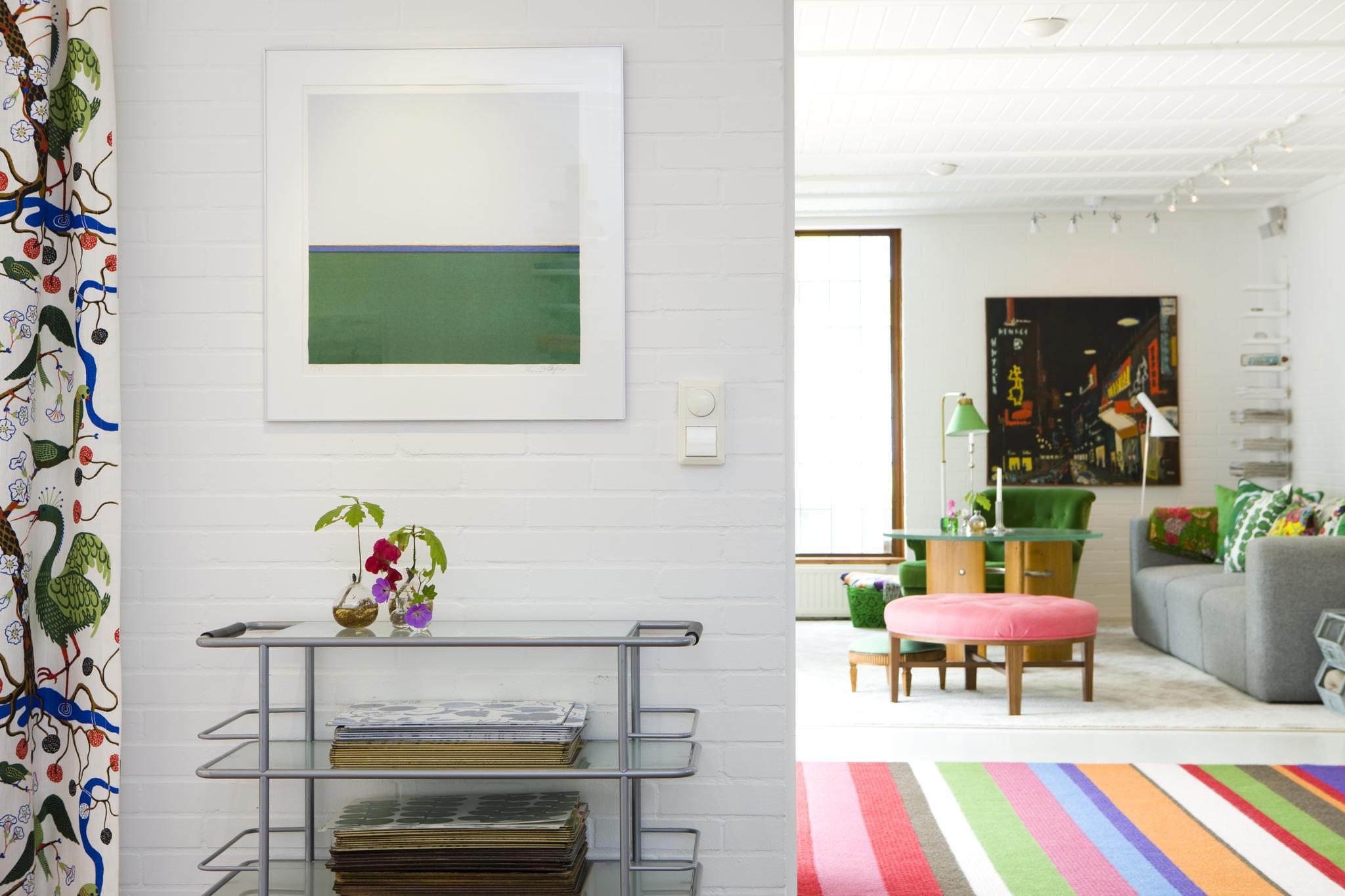 randig matta gröna detaljer vardagsrum