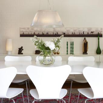 matsal vita stolar äkta matta