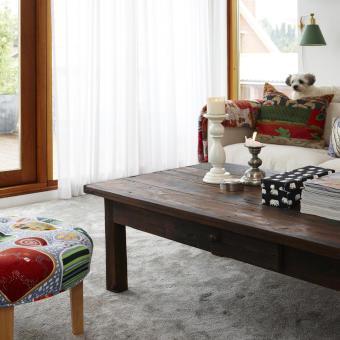 vardagsrum heltäckningsmatta indiskt soffbord