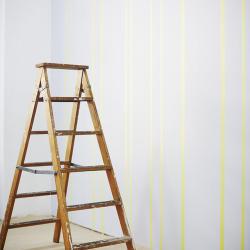 stege gammal maskeringstejp vägg