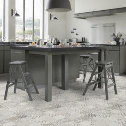 Flott grått kjøkken med Texline gulv
